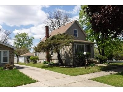 2 Bed 1 Bath Foreclosure Property in Maywood, IL 60153 - S 6th Ave