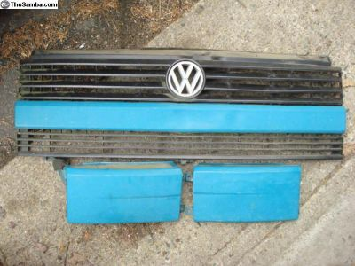 NICE Eurovan grill and support pc.