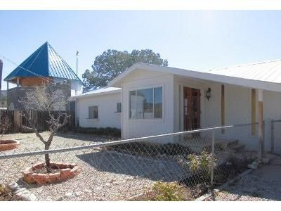 2 Bed 2 Bath Foreclosure Property in High Rolls Mountain Park, NM 88325 - Cottage Row