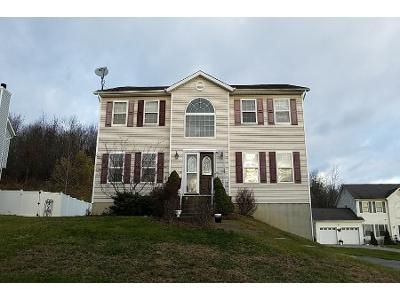 4 Bed 2.5 Bath Preforeclosure Property in Middletown, NY 10941 - Anna Ct