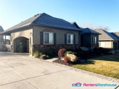 $1,500, 5br, Stunning High End Home