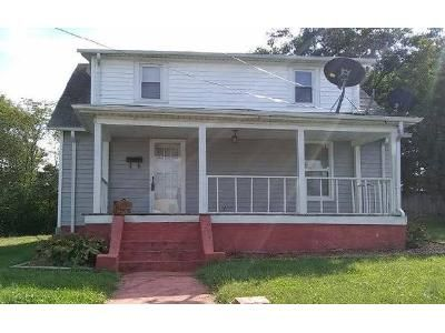 3 Bed 2 Bath Foreclosure Property in Martinsville, VA 24112 - Emmett St