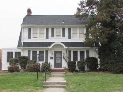 3 Bed 1.5 Bath Foreclosure Property in York, PA 17403 - Colonial Ave