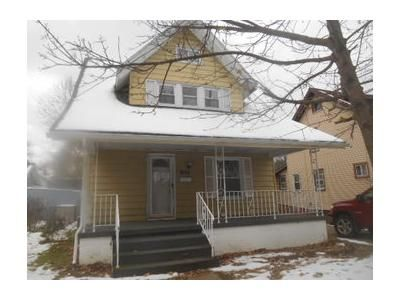 3 Bed 1.1 Bath Foreclosure Property in Erie, PA 16510 - Riverside Dr