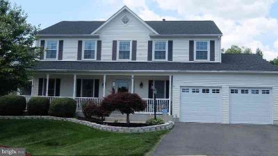 9 Devonshire Ln STAFFORD Four BR, This Is Your Home!