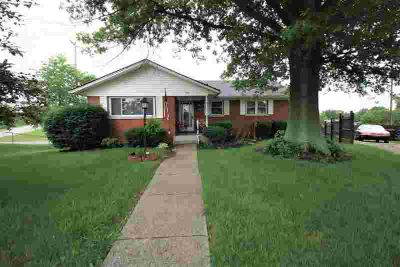 216 W Clark Drive WINCHESTER, This cozy Three BR 1.5 BA