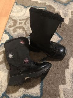 Totes snow boots size 8 toddlers $5