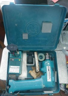 Makita Cordless Driver Drill with Metal Case/Charger/Battery