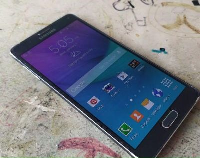 Galaxy note 4 not a scratch on it as new please read