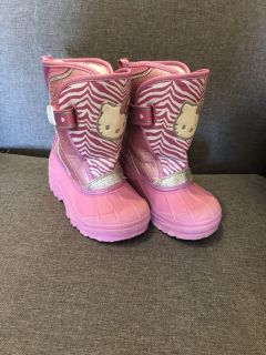 Hello kitty snow boots size 9/10