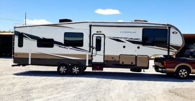 2013 Crossroads Cruiser 5th Wheel