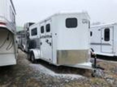 2019 Trailers USA Patriot 2 Horse with Side Ramp and Dressing Room 2 horses