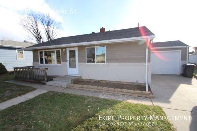 Single-family home Rental - 2745 W Saint Anne St
