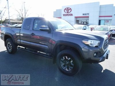 2018 Toyota Tacoma TRD Offroad (Magnetic Gray)