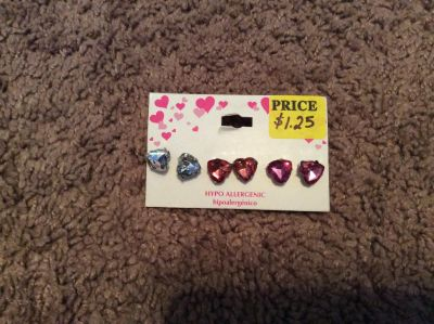 Set of 3 heart earrings - hypo allergenic - clear, light pink and dark pink