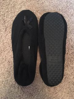 New without tags - secret treasures black slippers - size 7/8