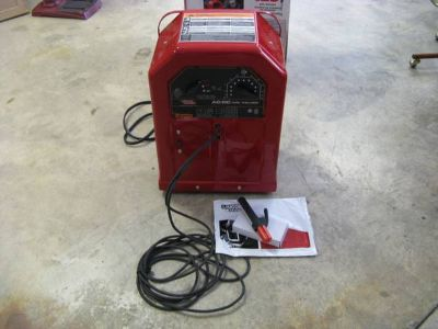 New Lincoln ACDC 225125 230V Stick Welder