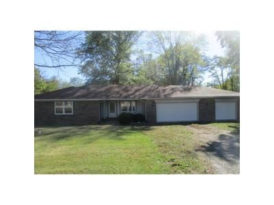 3 Bed 2 Bath Foreclosure Property in Fortville, IN 46040 - E 101st St