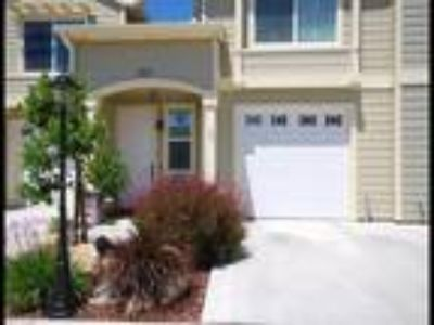 Templeton Townhome in Town!!