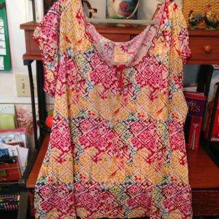 Very colorful light weight top