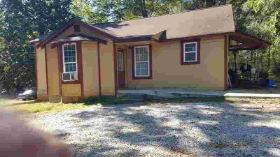 98 Hill Ave Summerville Three BR, Check out this great investment