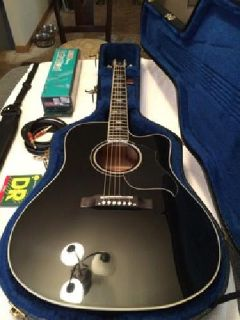Gibson Acoustic Dove Performer Guitar Bundle with Amp