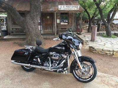 2018 Harley Davidson Street Glide FLHX