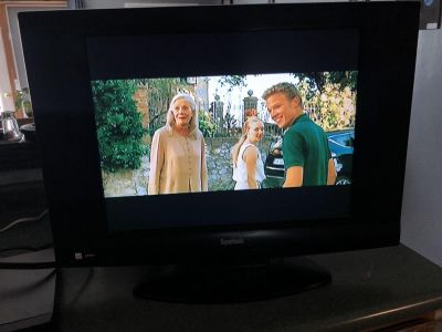20 tv and DVD player