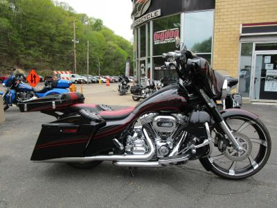 2011 Harley-Davidson CVO Street Glide Cruiser Motorcycles South Saint Paul, MN