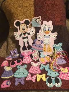 Lg Wooden Stitch Together Disney s Minnie & Daisy Figures w/ Clothes & Access & Strings Swap Only
