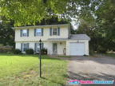 Cozy Four BR 2.5 BA Colonial in Waldorf!!!!!