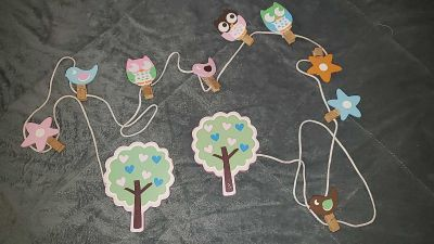 Cute wall hanging for pictures, or lightweight somethings