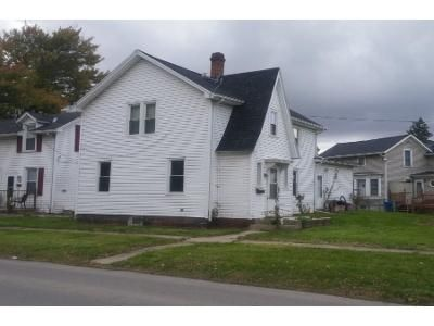 2 Bed 1.0 Bath Preforeclosure Property in Fremont, OH 43420 - Napoleon St