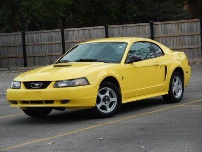2002 Ford Mustang Base 2dr Fastback