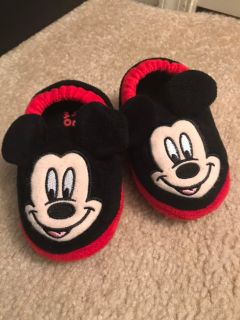 Mickey slippers size 7-8 toddler