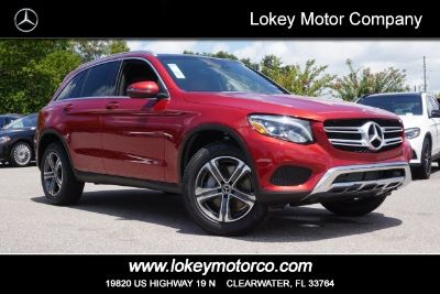 2018 Mercedes-Benz GLC 300 (designo Cardinal Red Metallic)