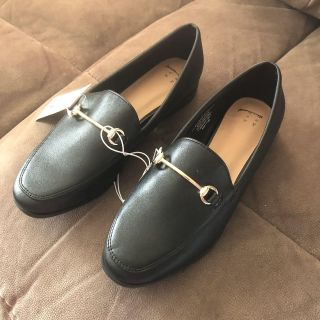 NWT WOMENS BLACK SLIP-ON SHOES. SIZE 7 VERY NICE!