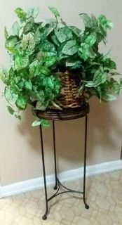 STAND/ARTIFICIAL PLANT......EXCELLENT CONDITION