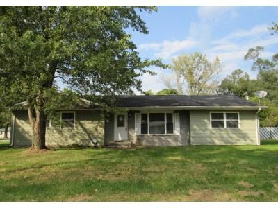 3 Bed 1.0 Bath Preforeclosure Property in Hobart, IN 46342 - W 40th Ave