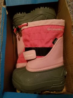 Columbia size 6 toddler winter boots