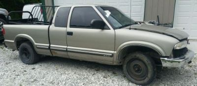Find 01 Chevy S10/S15/SONOMA AT AUTOMATIC TRANSMISSION 84k 2.2 4 cylinder 2200 2WD motorcycle in Indianapolis, Indiana, United States, for US $575.00