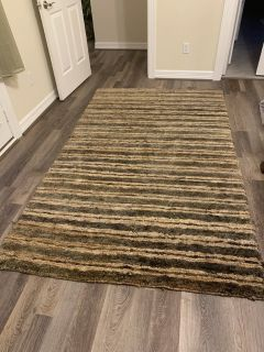Beautiful area rug. NWT
