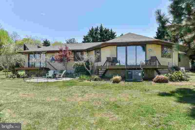 1670 Glebe Rd EARLEVILLE Three BR, RELAXING water views of the