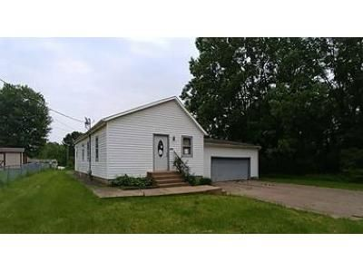 3 Bed 1 Bath Preforeclosure Property in Canton, OH 44707 - Schory Ave SE