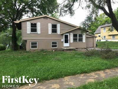 $1095 3 apartment in South Kansas City