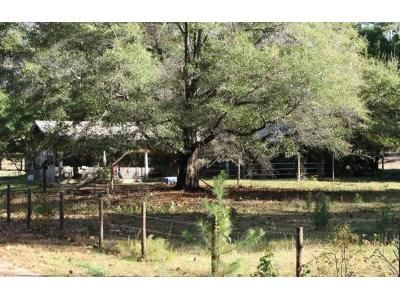 4 Bed 2 Bath Foreclosure Property in Woodville, TX 75979 - County Road 4130