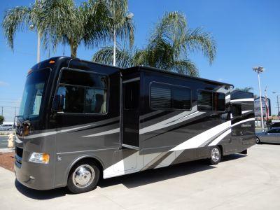 2012 Thor Motor Coach Hurricane 32 A