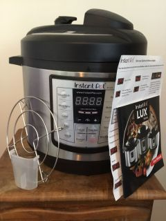 6 quart, 6 in 1 LUX series, INSTANT POT - EUC - Only used a few times