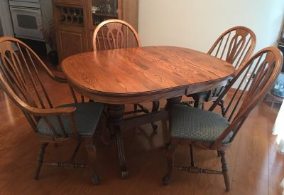 Solid Oak, Double Pedestal Dining Table and 4 Chairs