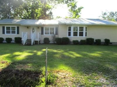 3 Bed 2 Bath Foreclosure Property in Pelham, GA 31779 - Virginia St SW